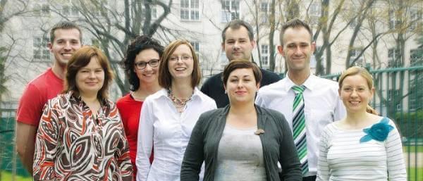 Zespół Weltbild - zdjęcie z witryny sklepu.
